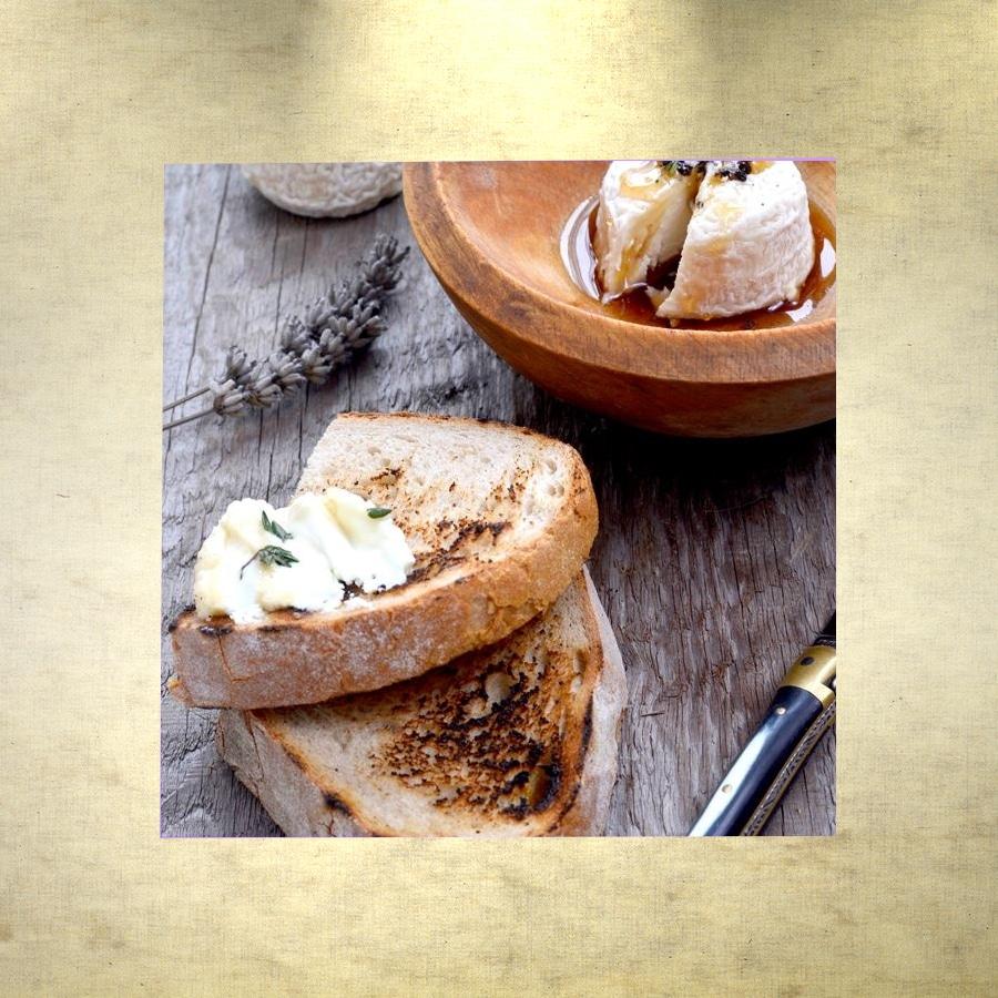toasts-au-fromage-de-chevre-et-sirop-de-lavande